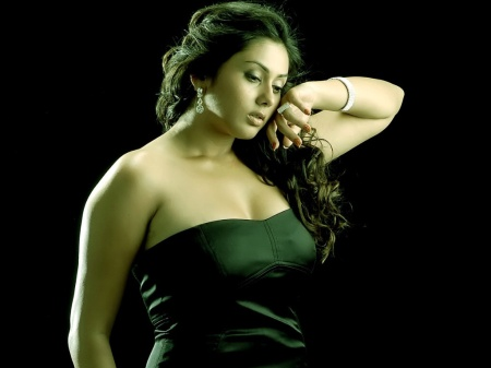 hot-and-sexy-hd-wallpapers-of-namitha-kapoor-7257